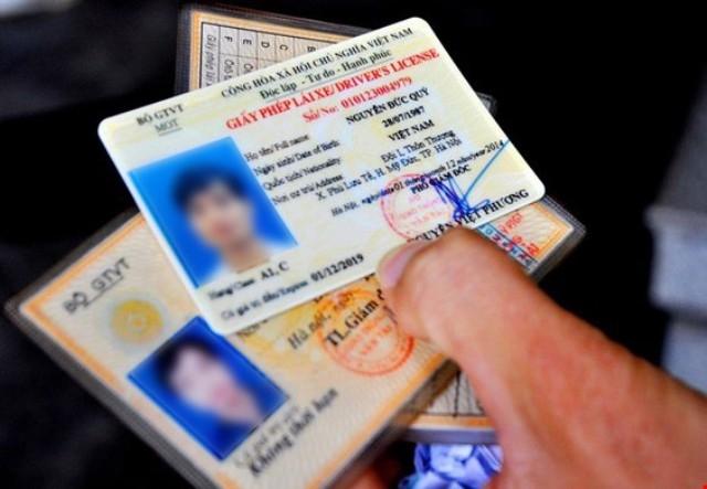 Đã chuyển đổi sang bằng lái xe quân sự có được làm thủ tục cấp lại bằng lái xe dân sự?