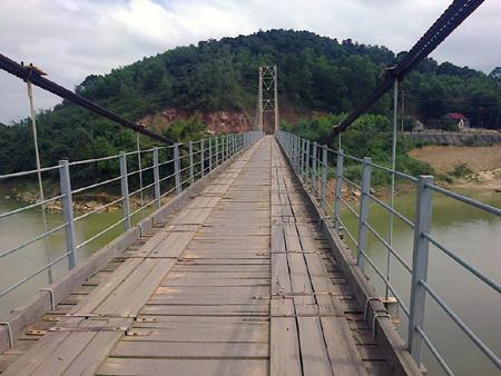 Cầu treo dân sinh được phân thành mấy loại?
