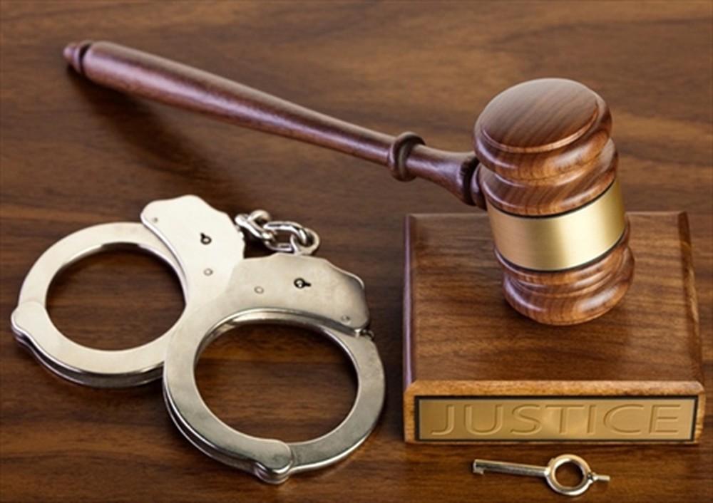 Việc giám sát bị can, bị cáo chưa thành niên được quy định như thế nào?