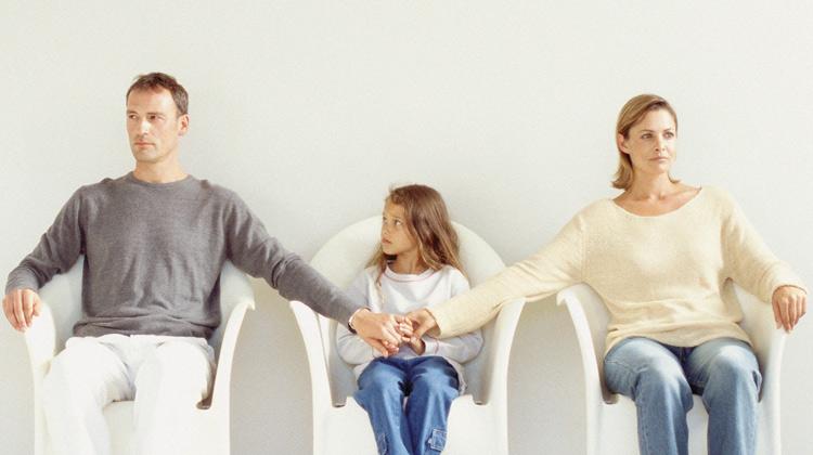 Làm sao giành quyền nuôi hai con khi chưa đăng ký kết hôn?