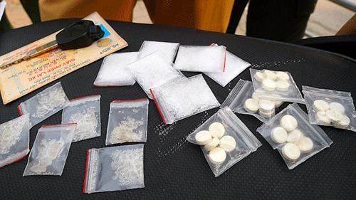 Làm sao để chứng minh chồng không phạm tội tàng trữ ma túy?