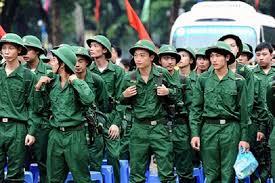 Tham gia dân quân tự vệ vi phạm kỷ luật và bị đuổi về thì có phải đi nghĩa vụ quân sự?