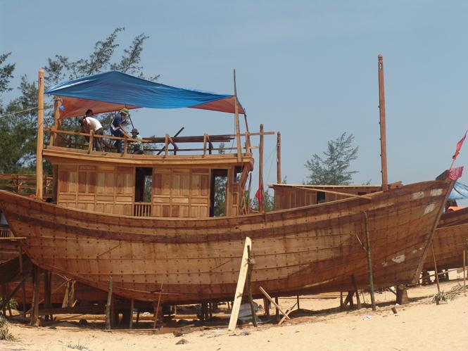 Đầu tư xây dựng cơ sở đóng tàu cá và đóng tàu cá có được hưởng ưu đãi đầu tư không?