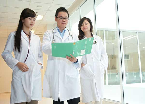 Tham gia các hội thảo y tế có được tính là thời gian đào tạo liên tục không?