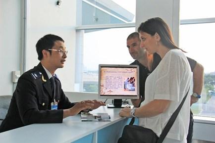 Phối hợp giải quyết khiếu nại, tố cáo trong quản lý nhập cảnh, xuất cảnh, quá cảnh, cư trú của người nước ngoài tại Việt Nam