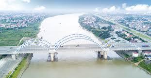 Xây dựng cầu qua sông có đê phải đảm bảo điều kiện như thế nào?