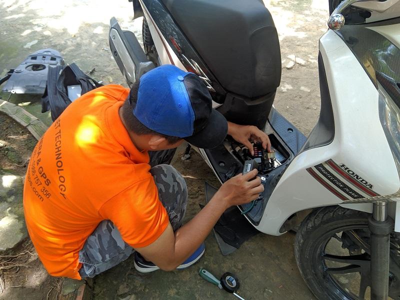 Xe máy lắp đặt, sử dụng thiết bị ưu tiên không được phép bị phạt bao nhiêu?