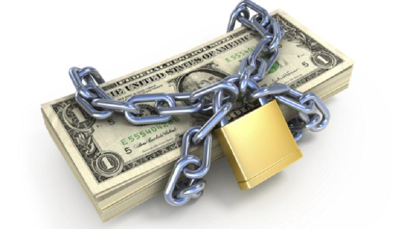 Phong tỏa tài sản để thi hành án có biết trước số tiền trong tài khoản không?