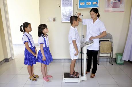 Năm 2021, nhân viên y tế trường học có phải bổ sung chứng chỉ hành nghề?