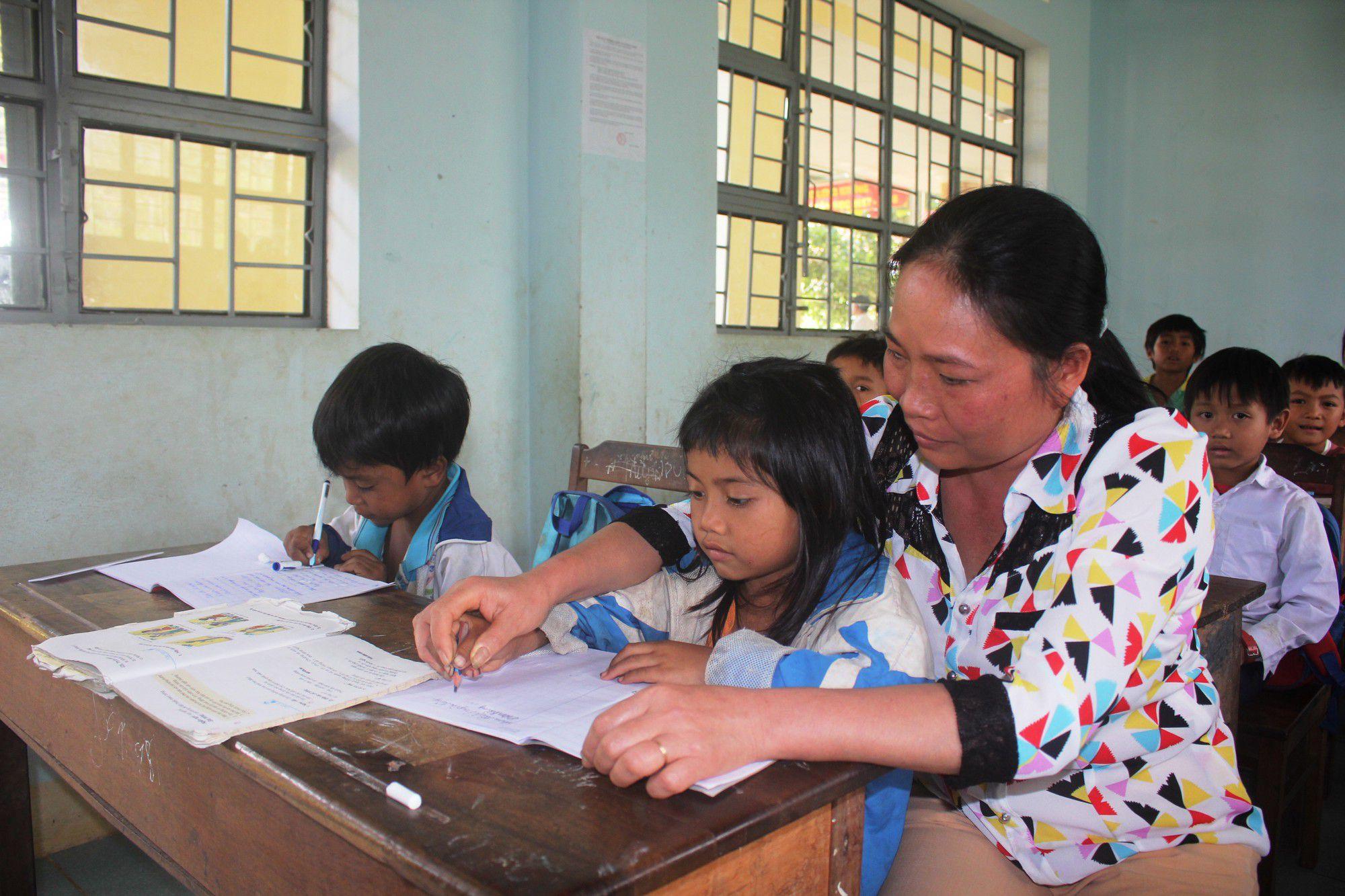 Tình nguyện lên vùng cao dạy học được miễn thi tuyển viên chức không?