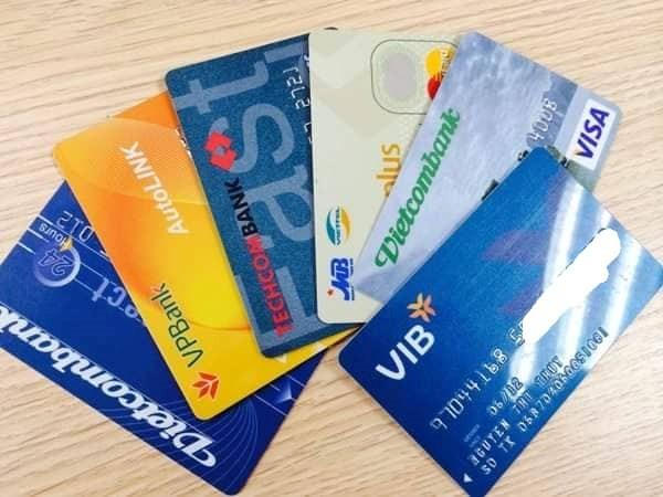 Thẻ tiết kiệm hay sổ tiết kiệm ngân hàng có phải là một?