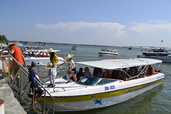Trách nhiệm của người lái phương tiện trên phương tiện thủy nội địa