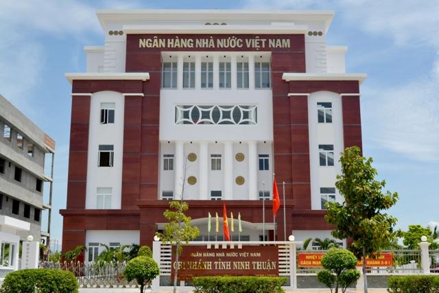 Nhiệm vụ, quyền hạn của Ngân hàng Nhà nước Việt Nam trong việc thực hiện các nghiệp vụ Ngân hàng Trung ương