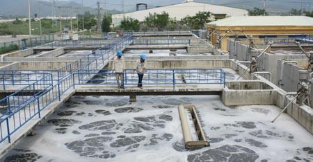 Hồ nuôi tôm có phải có hệ thống xử lý chất thải không?