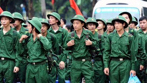Khi nào thì hạ sĩ quan, binh sĩ phục vụ tại ngũ mới được nghỉ hàng năm?