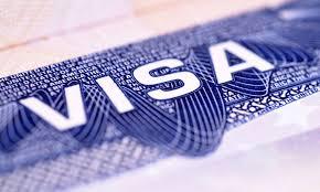 Trả lời phỏng vấn xin visa bằng tiếng Việt hay tiếng Anh?