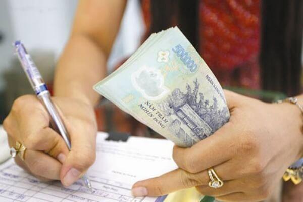 Quyết định phạt tiền có thể được hoãn thi hành khi bị phạt từ 3 triệu đồng trở lên?