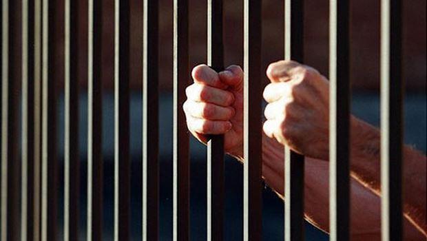 Gửi ảnh nóng thì có thể bị đi tù hay không?