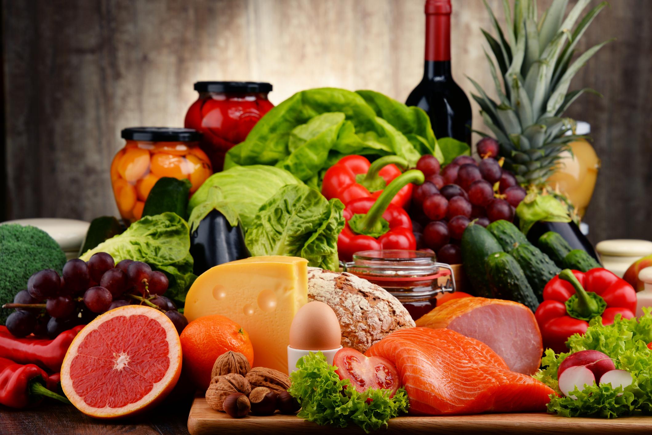 Cơ quan nào cấp Giấy xác nhận kiến thức về ATTP cho cơ sở sản xuất, kinh doanh thực phẩm nông, lâm, thủy sản?