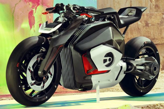 Xe moto phân khối lớn có được phép chạy vào làn ô tô?