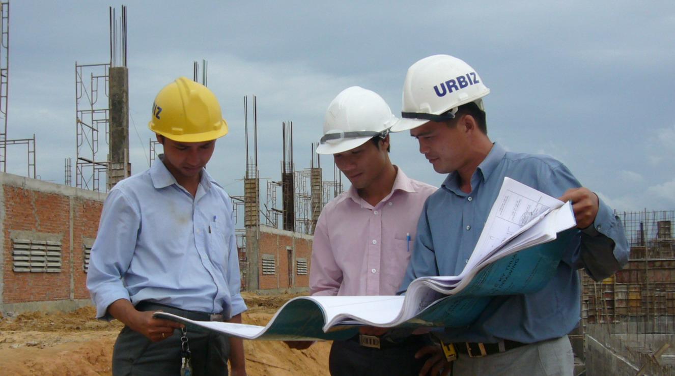 Cá nhân ký biên bản nghiệm thu hoàn thành hạng mục công trình phải có chứng chỉ hành nghề liên quan đến xây dựng không?