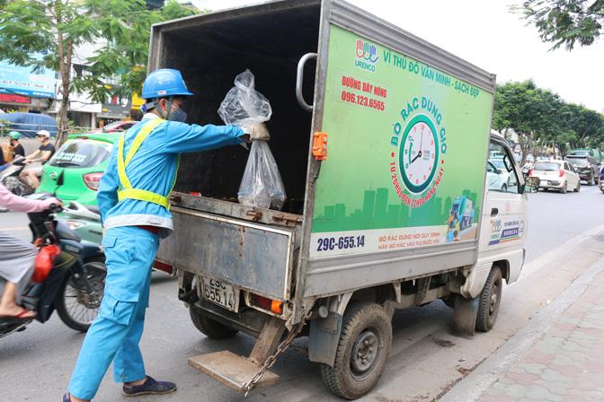 Công ty thu gom rác có phải thông báo về thời gian thu gom rác không?
