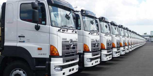 Trường hợp nào thu hồi phù hiệu, biển hiệu 06 tháng đối với xe ô tô kinh doanh vận tải, xe trung chuyển của đơn vị kinh doanh vận tải