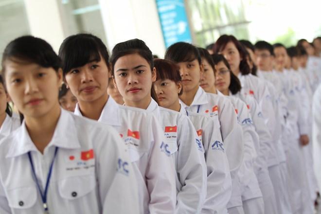 Loại tiền thu nộp và tỷ giá áp dụng đưa lao động Việt Nam đi làm việc ở nước ngoài theo hợp đồng