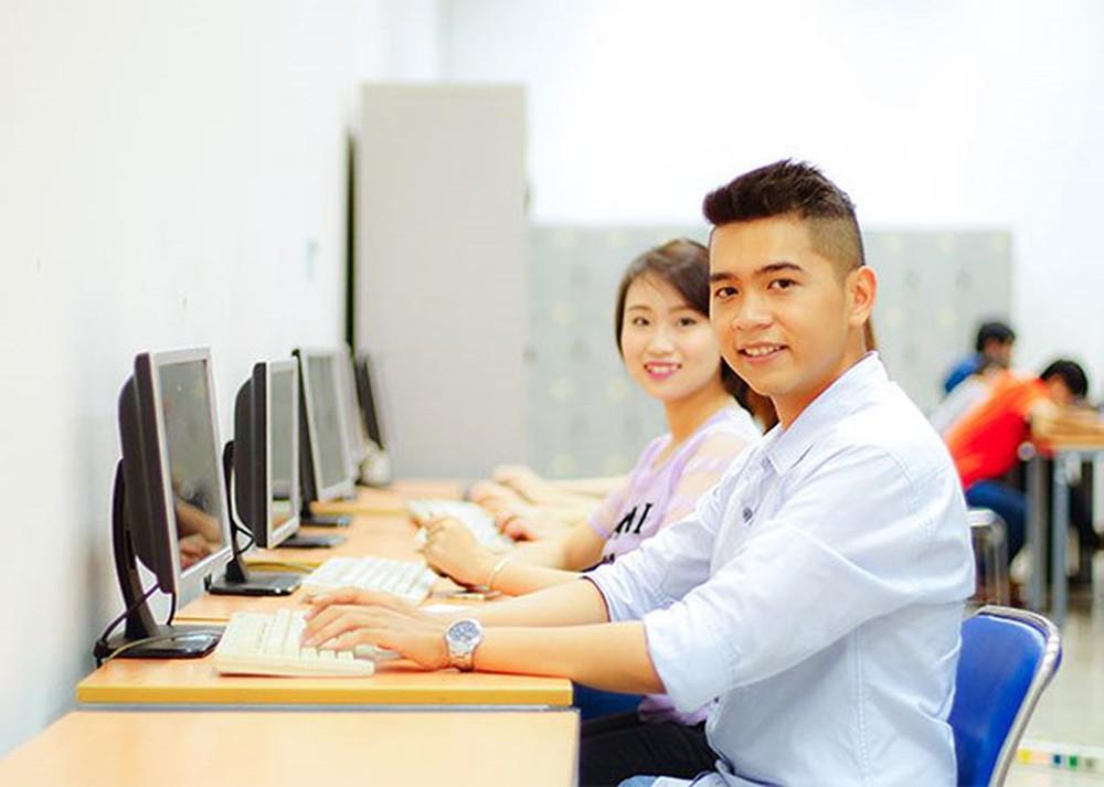 Tuyển dụng, sử dụng và quản lý công chức làm việc tại UBND phường tại thành phố Hà Nội