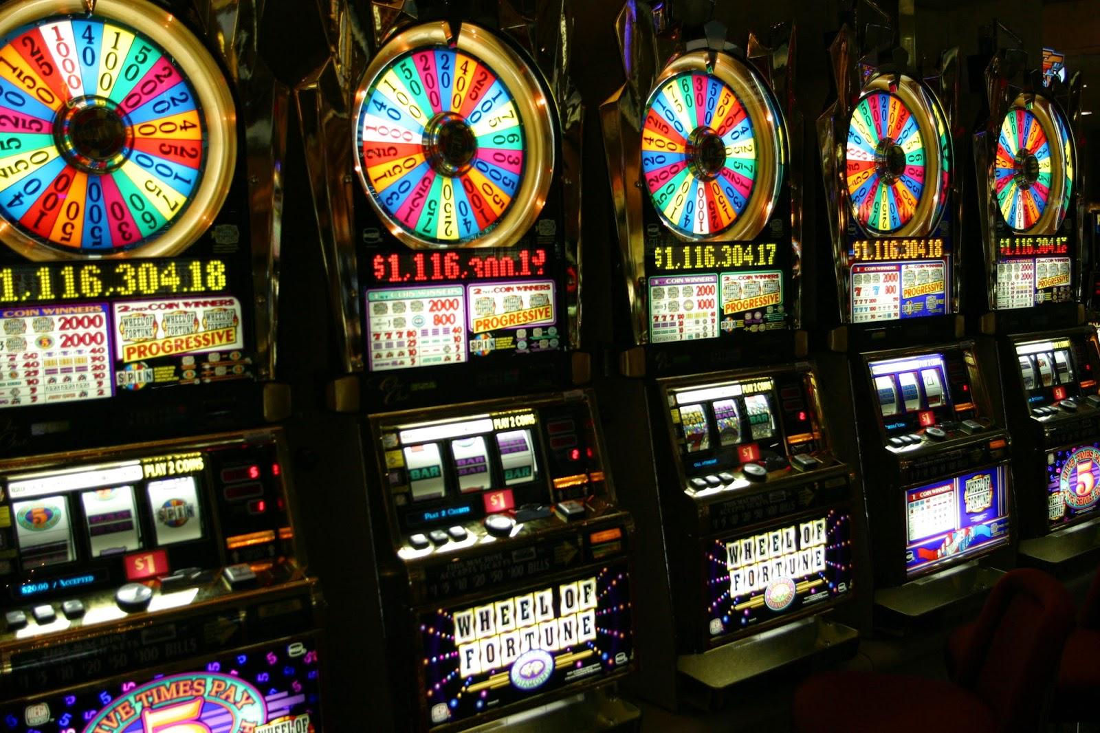 Kinh doanh trò chơi điện tử có thưởng chơi bằng máy sờ-lot (slot) có phải đóng thuế tiêu thụ đặc biệt hay không?