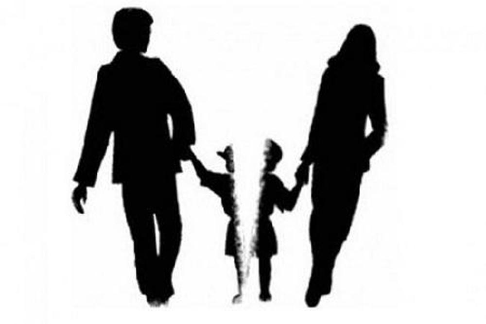 Người đang đi tù có bị hạn chế quyền yêu cầu ly hôn không?