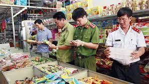 Công an phường có quyền xử phạt hành chính về an toàn thực phẩm không?