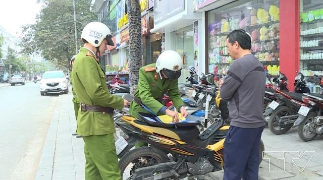 Cảnh sát trật tự xử phạt hành vi không đội mũ bảo hiểm đúng không?