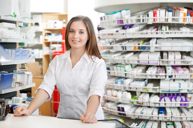 Giải pháp thực hiện đánh giá thực trạng về hoạt động kê đơn và bán thuốc kê đơn